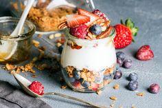 Healthy & Delicious Fruit and Yogurt Parfaits Recipes | PRANCIER Parfait Recipes, Smoothie Recipes, Smoothie Cleanse, Smoothies, Cereal Recipes, Dessert Recipes, Healthy Desserts, Healthy Recipes, Healthy Foods