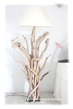 Lampadaire en bois flotté Natydeco http://www.natydecocorse.com