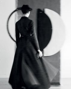 Dior's Abstract Voyage by Sarah Moon — Georgette Magazine Sarah Moon, Foto Fashion, Dior Fashion, Dior Haute Couture, French Photographers, Female Photographers, Moon Photography, Fashion Photography, Christian Dior