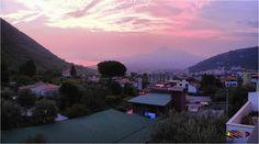 Panoramic view of Vesuvius, Nikon Coolpix L310, 5.1mm, 1/30s, ISO125, f/3.2, panorama mode:segment 2, HDR-Art photography, 201507132040