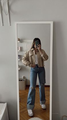 Indie Outfits, Teen Fashion Outfits, Retro Outfits, Cute Casual Outfits, Stylish Outfits, Fall Outfits, Vest Outfits, Tomboy Fashion, Streetwear Fashion