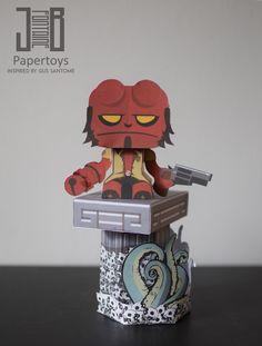 Hellboy Papertoy