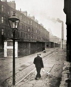 photographie ◙ by charles fenno jacobs - man with dog manchester I946 (waltham I904 † englewood I973) american scène de rue street scene