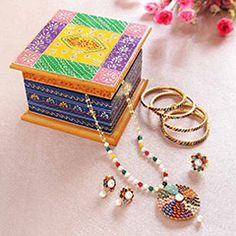 Classy Jewelery Set with Embossed Painted Box