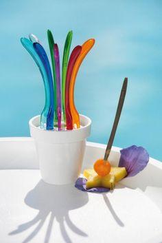 »PIC UP Party-Piekser-Set  Ein Design-Statement für Fingerfood und feine Häppchen. So lassen sich Tapas und Oliven, Antipasti und Pecorino stilvoll genießen.