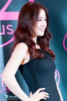 ♥   金泰希김태희 Kim Tae-Hee 金泰希 163cm, Kim Tae Hee, Pop Group, Asian Beauty, Muse, Rain, Portraits, Kpop, Actresses