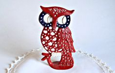 Vintage Owl Earring Holder Metal Red White by treasurecoveally, $15.00