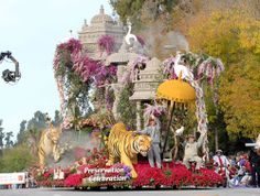 DECK THE HOLIDAY'S: HOW TOURNAMENT OF ROSES PARADE FLOATS ARE MADE!!