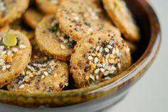 Quinoa Rosemary Crackers 01