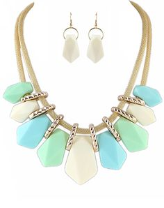 Green Ombre Gemstone Necklace With Earrings 7.60