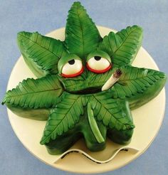 Happy Birthday Marijuana Leaf Cake cakepins.com