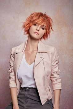 A Short red hairstyle From the ROCK & Summer Collection Spring/Summer 2019 Colle. A Short red hairstyle From the ROCK & Summer Collection Spring/Summer 2019 Collection by Mon Coiffeur Exclusif Medium Hair Styles, Curly Hair Styles, Short Shaggy Haircuts, Short Red Hairstyles, Hairstyles Haircuts, Short Shaggy Bob, Shaggy Bob Hairstyles, Haircut Short, Round Face Haircuts