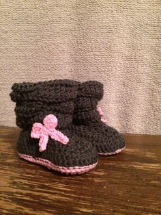 Baby girl slouch booties