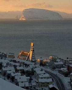 Hammerfest, Norway For amazing adventure holidays to Norway click here: http://scripts.affiliatefuture.com/AFClick.asp?affiliateID=263069&merchantID=4626&programmeID=12015&mediaID=0&tracking=&url=
