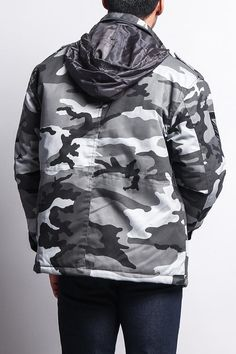 Stay warm all season long with this great military-inspired padded jacket. With  its 1becfe0fe