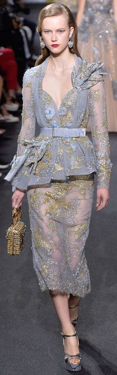 Elie Saab Parigi - Haute Couture Fall Winter - Shows - Vogue. Style Couture, Couture Fashion, Runway Fashion, Elie Saab Couture, Collection Couture, Fashion Show Collection, Trendy Dresses, Fashion Dresses, Elie Saab Fall