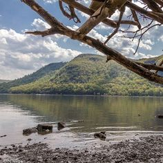 A view of Crow's Nest across the river from Little Stony Point. #ny #newyork #hudsonvalley #hudsonvalleyny #hudsonriver #hudsonhighlands #mountain #mountains #littlestonypoint #coldspring #coldspringny #putnamcounty #crowsnest #summer