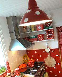 Polkadot kitchen / Rood met witte stippen keuken ..mo76moenmi