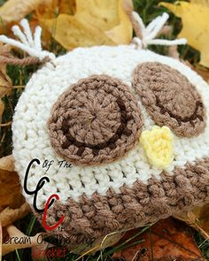Sleepy Owl Hat (Preemie/NB) - Free Crochet Pattern by @COTCCrochet | Featured at Cream of the Crop Crochet - Sponsor Spotlight Round Up via @beckastreasures | #fallintochristmas2016 #crochetcontest #spotlight #crochet #roundup