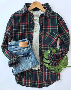 You know, there's no need to explain the appeal of plaid. $24.99 Only with free shipping&easy return! This high low plaid shirt gonna be your new fave! Simply get it at Cupshe.com