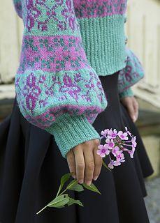 Mønsteret er inspirert av liljer og den gode gamle endeløsborden.