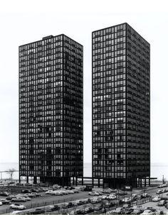 860-880 North Lake Shore Drive Apartments | Ludwig Mies van der Rohe | 1948-1951Photographer Richard Nickel