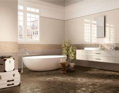 LUXUSNÁ KÚPEĽŇA - Exkluzívne kúpeľne v štýle glamour / BENEVA Blue Bathroom Paint, Beige Bathroom, Beach Bathrooms, Bathtub Tile, Bathroom Flooring, Sweet Home Design, Bathroom Vanity Storage, Modern Bathroom Lighting, Toilet Design