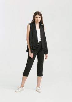 Shop effortless, minimalist & modern ready-to-wear here. We make quality & affordable fashion since We ship worldwide. Affordable Fashion, Ready To Wear, Capri Pants, Normcore, How To Wear, Shopping, Clothes, Outfit, Capri Trousers