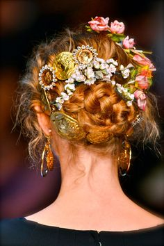 Pretty bridal inspiration from the Dolce and Gabanna runway show!