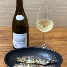 ワイン専門商社フィラディス直営、Firadis WINE CLUBさんから毎月届く「有名産地の基本ワイン+合う料理のレシピ」🍷今月はフランス・ロワール産の白ワインが届きました🍾✨ Wine, Club
