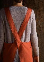 http://www.purlsoho.com/create/2015/11/20/linen-cross-back-apron/