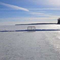 This is how hockey was meant to be played! Lake Hockey at its finest! @Molson_Canadian #AnythingForHockey ... Pls RT