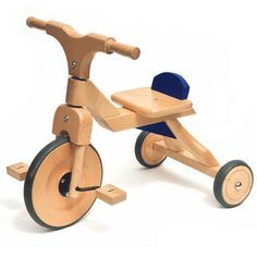 want a wooden tricycle : ) Wooden Crafts, Wooden Diy, Tricycle, Wood Projects, Woodworking Projects, Making Wooden Toys, Wood Bike, Homemade Toys, Diy Holz