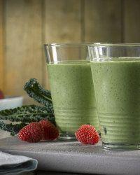 Kale, Avocado, Coconut Oil & Raspberry Smoothie