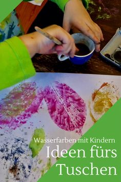 Kreative Ideen für das Tuschen mit Kindern. Mit Wasserfarben können auch Kinder unter 3 schon wunderschöne Bilder gestalten und basteln.