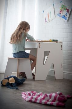 The modern wooden kids desk is size perfectly for kids, and is made to fit into little spaces. Sprout's childrens desk has ample storage for studies and play. Simple Furniture, Furniture Logo, Recycled Furniture, Ikea Furniture, Plywood Furniture, Furniture Plans, Furniture Design, Furniture Websites, Kid Desk