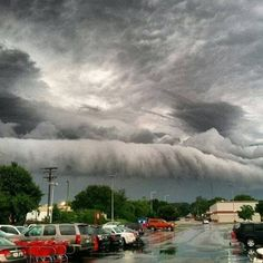Crazy weather! This is what we saw the other night! Stunning shelf storm clouds over Maryland: Top 20 from May 27