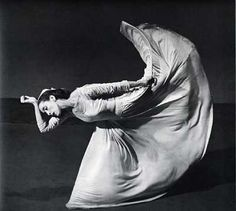 Martha Graham - a first generation dancer and choreographer of modern dance. She studied under Ruth St, Dennis, a pioneer of modern dance. In Graham created her own movement style called contract and release. Martha Graham, Isadora Duncan, Barbara Morgan, Dark Fantasy Art, Day Of Dead, La Danse Macabre, Pina Bausch, Imogen Cunningham, Merce Cunningham