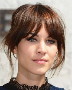 Alexa Chung Messy Updo Alexa Chung - my fave natural beauty. Always minimum done to hair and make-up and she just looks fab Alexa Chung Messy Updo Alexa Chung - my fave natural beauty. Always minimum done to hair and make-up and she just looks fab Long Fringe Hairstyles, Hairstyles With Bangs, Pretty Hairstyles, Hairstyle Ideas, Hair Day, New Hair, Hair Styles 2016, Long Hair Styles, Short Styles