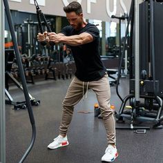 Here is Jogger Outfit Mens Idea for you. Jogger Outfit Mens 3 ways to keep a casual look fresh men casual joggers. Jogger Outfit M. Fitness Gym, Mens Fitness, Fitness Motivation, Fitness Foods, Fitness Shirts, Outfits Hombre, Sport Outfits, Casual Outfits, Gym Outfits