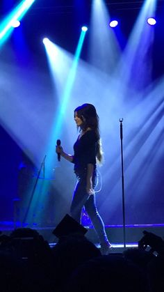 Aug.1, 2017: Lana Del Rey performing at House of Blues in Anaheim #LDR