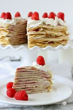 Crepe Cake with Raspberries and Cream - Great brunch tea party idea will try strawberries Just Desserts, Delicious Desserts, Yummy Food, Sweet Recipes, Cake Recipes, Dessert Recipes, Crepes Party, Yummy Treats, Sweet Treats