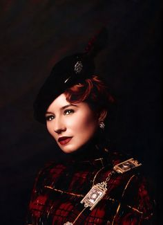 Tori Amos as Mary Queen of Scots ~ Face Forward by Kevyn Aucoin, 2000 http://ana-lee.livejournal.com/222253.html