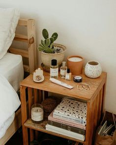 Imagem de aesthetic A mix of mid-century modern bohemian and industrial interior style. Home and apartment decor decoration ideas home design bedroom living room dining room kitchen bathroo Estilo Interior, Interior Modern, Interior Design, Bohemian Interior, Bohemian Decor, Boho Diy, Bohemian Style, Interior Ideas, Bohemian Design