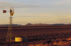 Windmill in the Karoo - South Africa South Afrika, Native Country, My Fantasy World, Living In Europe, Fallout New Vegas, Monument Valley, Tourism, Beautiful Places, Scenery