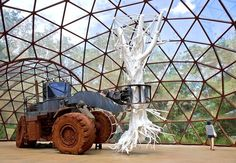 Obra do artista Matthew Barney exposta em Inhotim (Foto: Rossana Magri) Image Types, Google Images, Brazil, The Creator, Contemporary Art, Louvre, Fair Grounds, Artsy, Museum
