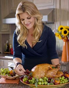 Trisha Yearwood's Thanksgiving. Includes recipes for turkey, dressing & Georgia Pecan Pie