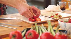 Alku- ja jälkiruoat grillissä Plastic Cutting Board, Kitchen, Cooking, Kitchens, Cuisine, Cucina
