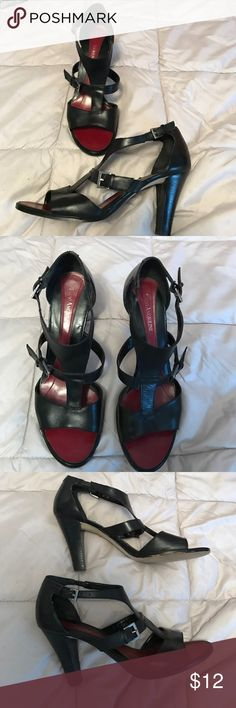 """ENZO ANGIOLINI BLACK LEATHER TSTRAP OPEN TOE SHOE REDUCED!!  $9. Maybe wore 6 times the awesome shoes are in really good condition and with 3 1/2"""" heel they are super comfortable Enzo Angiolini Shoes Sandals"""