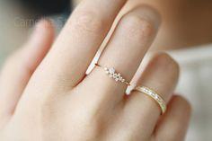 tut mir leid, den Ring Vertrieb Geschwindigkeit ist zu hoch, was einiges an Größe nicht vorrätig sind. Wenn Sie hier nicht Ihre Größe, lass es mich wissen. Ich werde es nächste time. hinzufügen.   Sehr schöne schönen Blumenstrauß im allgemeinen und auch wie die Sterne, übersät mit den Fingern, ich denke, jedes Mädchen hätte einen Ring wie folgt:)  At vorhanden, die maximale Größe der Ringe ist US9  【 materiell 】: 14k gold eingelegtes tschechischer Zirkon (14 k Wörter markieren Innenrin...